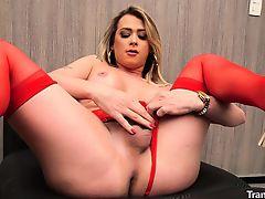 Shemale Leticia Rodrigues Masturbating