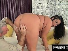 Sexy MILF Aire Fresco get fucked good
